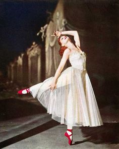 The Red Shoes (1948), Moira Shearer  lagrandefille:  love this    I still really need to watch this movie.