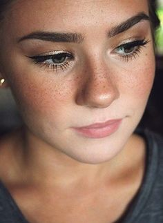 How to fake freckles like a pro <3