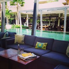 Kick back, relax and get your read on... A little bit of relaxing before the weekend starts... #houseofhuu #huubistro #islandlife #bali