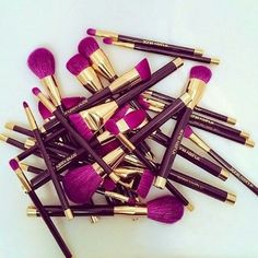 Makeup & Skin Care: The Types of Makeup Brushes you Need to Know Make Makeup, How To Clean Makeup Brushes, Skin Makeup, Beauty Makeup, Makeup Geek, Makeup Kit, Makeup Ideas, Makeup Brush Cleaner, Makeup Brush Set