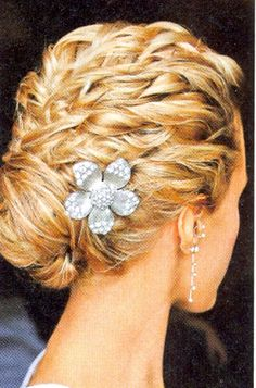 Wedding Hair updo  #silverlandjewelry #wedding