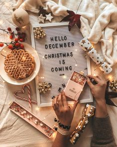 "Páči sa mi to: 2,879, komentáre: 118 – Claudia (@claudiameyx) na Instagrame: ""Chapter 12/12 ✨🎄*werbung Der letzte Monat des Jahres hat begonnen und bald ist schon Weihnachten.…"" Christmas Is Coming, Christmas Christmas, Merry Little Christmas, All Things Christmas, Christmas Pictures, Christmas Lights, Christmas Decorations, Xmas Quotes, Light Board"