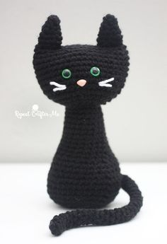 Meow! I've got a PURRfect pattern for all you cat lovers! How cute are these crochet cats sitting so pretty with their long (bendable!) tails and…