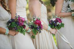 """Immer mehr Bräute entscheiden sich für einen individuellen Brautstrauß. Mit Bouqets aus Stoff-, Satin-, Papierblumen und Perlen zeigen sie am schönsten Tag des Lebens Kreativität und Persönlichkeit. Und das Beste: Der schicke Brautstrauß kann als fantasievolles Erinnerungsstück aufgehoben werden. Ihre … <span class=""""link-beh"""" onClick=""""javascript:location.href='http://www.zankyou.de/p/stoff-satin-papierblumen-und-perlen-der-brautstrauss-als-accessoires-55177';"""" >Weiter lesen <span ..."""