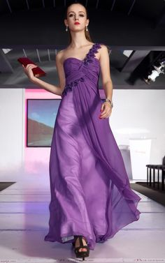 Exclusive Purple Evening Dress With Layering And Paillette