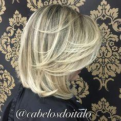 Da série curtos e loiros ❤️  #loiroperfeito #vemserdiva #cabelosdoitalo  #vemserloira   #loirosaudavel  #loirodosonhos  #loirosaudável  #hair #blondhair #blond #blonde #loira #loiras #cabelosdivos #cabelos  #hairstyle #platinado #cabelosplatinados #amo #lindo #instalike #instancabeloslongos #instancabelo #instanloira #ombre #ombrehair #balayage #wella #wellahair  #joico #hair