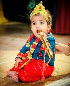 Krishna Flute, Bal Krishna, Jai Shree Krishna, Krishna Art, Lord Krishna, Little Krishna, Cute Krishna, Cute Baby Girl Pictures, Baby Boy Photos