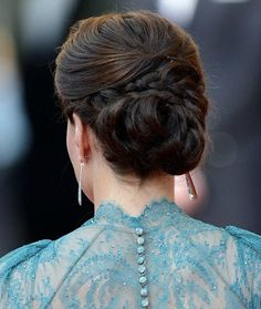Kate Middleton's Hair Style... THIS IS MY SENIOR BALL HAIR!!