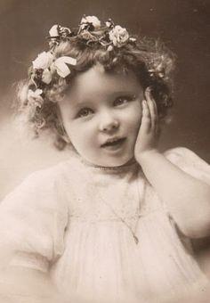 Vintage Rose Album: Jaka jestem słodka Sweet little girl Éphémères Vintage, Images Vintage, Vintage Ephemera, Vintage Girls, Vintage Roses, Vintage Pictures, Vintage Beauty, Vintage Postcards, Vintage Prints