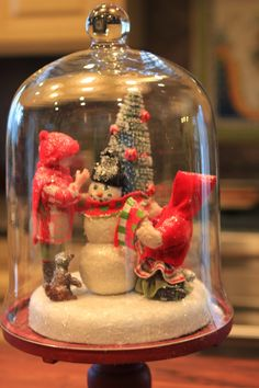 Christmas scene cloche - snowman and tree