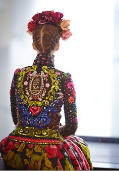 amazing latin boho mexican folk chic style couture fashion Frida Kahlo Show Paris 2013 Ethnic Fashion, High Fashion, Paris Fashion, Frida E Diego, Böhmisches Outfit, Ethno Style, Lesage, Fashion Details, Fashion Design