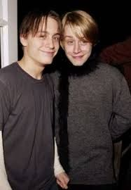 Macaulay Culkin and Kieran Culkin at an event for Serendipity Famous Celebrities, Celebs, Kieran Culkin, Celebrity Siblings, Macaulay Culkin, Monster Party, Ex Husbands, Friends Family, Picture Photo