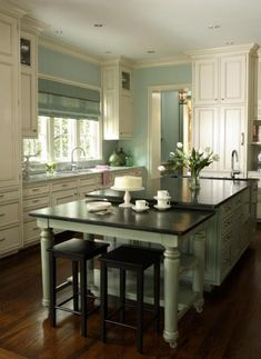 Great island with the two-level design ~House of Turquoise: Kitchen of the Year Decor, Home Kitchens, Kitchen Remodel, Kitchen Design, Kitchen Design Trends, Chic Kitchen, Home Decor, House Interior, Shabby Chic Kitchen