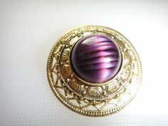 VINTAGE GOLD TONE FILIGREE PIN BROOCH WITH STRIPED PURPLE RHINESTONE- AMAZING
