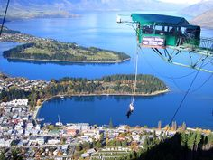 Bungee jumping in Queenstown New Zealand, I sooo want to do this!