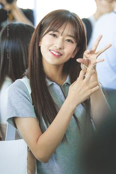 K-Pop Babe Pics – Photos of every single female singer in Korean Pop Music (K-Pop) Yu Jin, Japanese Girl Group, Cute Beauty, Female Singers, Girl Crushes, Ulzzang Girl, Fun To Be One, Cool Girl, Fandom