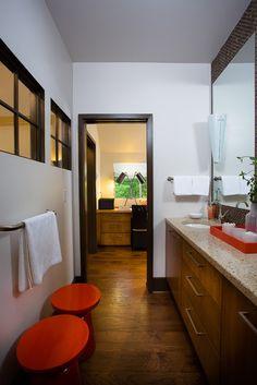 HGTV modern bathroom #modern #bathroom
