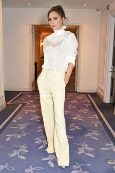 Victoria Beckham proves the power of pastels at our Women of the Year Awards - HarpersBAZAARUK