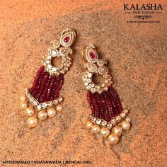 No photo description available. Indian Jewelry Earrings, Indian Wedding Jewelry, Bridal Jewelry, Gemstone Jewelry, Beaded Jewelry, Gold Jewelry, Cz Jewellery, India Jewelry, Trendy Jewelry