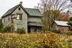 Abandon farm house in the Baraboo Hills