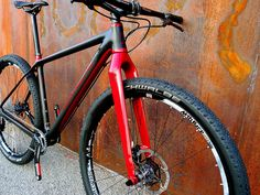 Konstructive_IOLITE_XX1_MTB_Ruby_Red_headtube_right