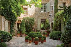 mimbeau:Maison de Betty et François Catroux en Provence Photo François Halard