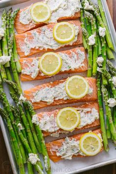 One-Pan Salmon Asparagus recipe with a lemon-garlic-herb butter. Every bite is so juicy and flavorful! A reader favorite, salmon dinner. Baked Salmon And Asparagus, Lemon Garlic Salmon, Baked Salmon Recipes, Asparagus Recipe, Fish Recipes, Seafood Recipes, Healthy Recipes, Recipes With Asparagus, Butter Salmon