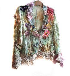 crochet et tissus pour cette veste embellie