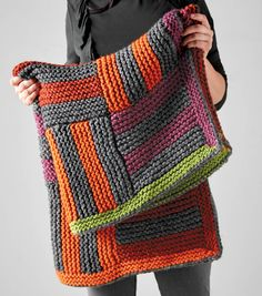 How To Make A Quick Striped Lap Blanket chunky lap blanket patterns free How To Make A Quick Striped Lap Blanket Loom Knitting Stitches, Easy Knitting, Knitting Patterns Free, Knit Patterns, Blanket Patterns, Easy Knit Blanket, Chunky Blanket, Lap Blanket, Blanket Crochet