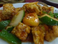 There are many variations of Sweet and Sour Pork. Here is one that does not need a lot of ingredients than my previous recipe on Sweet and Sour Pork. Pinoy Food, Filipino Food, Filipino Recipes, Asian Recipes, Filipino Dishes, Asian Foods, Ethnic Recipes, Pork Recipes, New Recipes