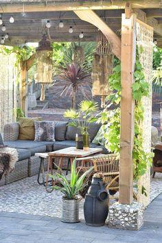 Relaxing Small Backyard Patio Design Ideas Ideas for small backyard patios are endless! Don't be discouraged if your backyard is tiny and you think it cannot […] Outdoor Rooms, Small Backyard, Outdoor Decor, Patio Design, Garden Design, Pergola Designs, Garden Room, Patio Lighting, Home And Garden