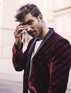 Hollywood celebrities reveal secrets to getting their men to have an all-night erection Pretty Men, Gorgeous Men, Carlo Rivera, Latin Music, Hollywood Celebrities, Man Crush, Style Icons, Editorial Fashion, Supermodels