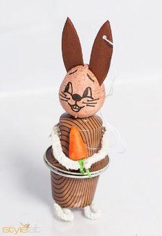 basteln mit nespresso kapseln | Die besten 17 Ideen zu Hase Zeichnen auf Pinterest ... Cappuccino Machine, Cappuccino Cups, Cup Crafts, Diy And Crafts, Image Halloween, Coffee Pods, The Hobbit, Easter Bunny, Upcycle