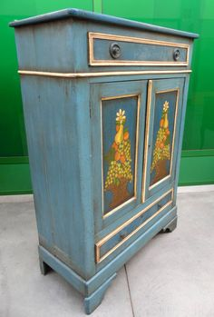 Credenzone - stipo a due ante con 2 cassetti laccato e dipinto con frutta colori vividi+