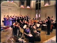 Handel : Messiah in Dublin The Sixteen Chorus and Orchestra conducted by Harry Christophers