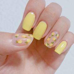 Lemon pastel yellow nails