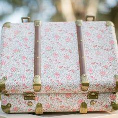 Valise rétro rose liberty personnalisable | Accessoire deco mariage