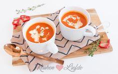 Paprikasoep - Keuken♥Liefde A Food, Good Food, Food And Drink, Yummy Food, Veggie Recipes, Soup Recipes, Dinner Recipes, Veggie Food, New Years Dinner