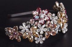 Cordeluţă Joséphine lată cu flori din cristale Fascinator, Headpiece, Josephine, Headbands, Diamond Earrings, Swarovski, Brooch, Boutique, Jewelry