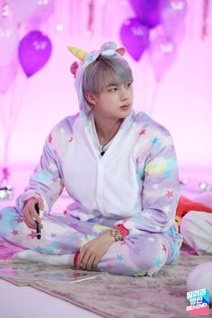 Image uploaded by ੈ♡˳ᴍʏ ᴛɪᴍᴇ ✰. Find images and videos about kpop, bts and jin on We Heart It - the app to get lost in what you love. Jimin, Bts Jin, Bts Bangtan Boy, Seokjin, Hoseok, Foto Bts, Btob, Asian Music Awards, Taehyung