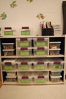 kindergarten math stations---how i wish i had something like this set up in my room!! it's so organized!