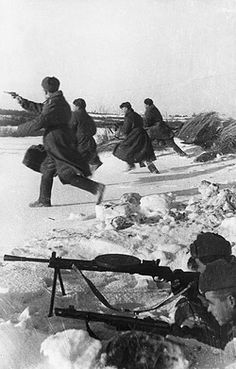 Soldiers of the 'x' lithuanian unit attacking german positions on the first baltic front, world war 2, january 1944. Pin by Paolo Marzioli