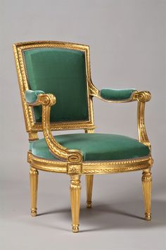 Classic Furniture Salons Louis Xvi Living Rooms Ideas For 2019 Old Furniture For Sale, Selling Antique Furniture, Classic Home Furniture, Vintage Furniture Design, Top Furniture Stores, European Furniture, French Furniture, Cheap Furniture, Unique Furniture