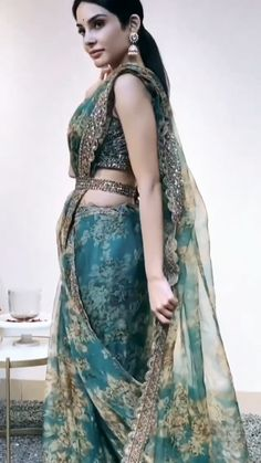 Indian Dress Up, Indian Fashion Dresses, Indian Designer Outfits, Indian Wear, Designer Dresses, Indian Wedding Outfits, Bridal Outfits, Indian Outfits, Latest Bridal Dresses