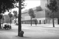 Date : View towards the Granada cinema in Kennington Road, which was built in the and later became a bingo hall, but has since been partially demolished and replaced with a block of flats. Photographed as a glass slide by W. South London, Old London, Old Pictures, Old Photos, Chesters Way, Granada, The Locals, Britain, Cinema