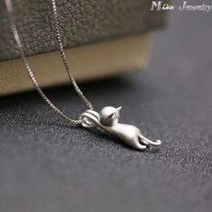Fine or Fashion: Fashion Item Type: Necklaces Pendant Size: same as picture Style: Trendy Necklace Type: Pendant Necklaces Gender: Women Material: None Chain Type: Link Chain Length: 40cm-45cm Metals