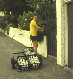 Milk delivery boys who left full milk bottles in the back of your letter box, swapping them for your empties and money/milk token Most Popular Image, Kiwiana, Kids Growing Up, 80s Kids, The Beautiful Country, My Childhood Memories, Time Capsule, The Good Old Days, Back In The Day