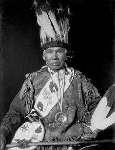 American Indians : Gah Gos Sha De Bay (Joe Broad) - Ojibwe 1908.
