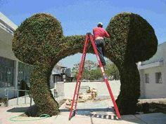 Topiary Sculpture Art by Topiary Joe - Topiary Joe's Living Logos, Garden Sculpture & Public Art