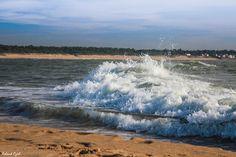 Les assauts de la mer sur le rivage